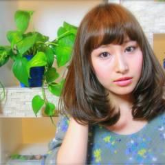 ナチュラル モテ髪 ミディアム フェミニン ヘアスタイルや髪型の写真・画像