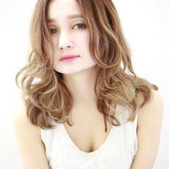 アッシュ フェミニン ガーリー ロング ヘアスタイルや髪型の写真・画像