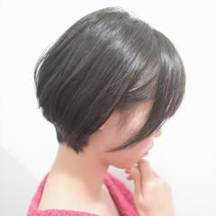 耳掛けショート ショートボブ ショート ミニボブ ヘアスタイルや髪型の写真・画像