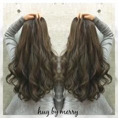 ガーリー アッシュ ハイライト ロング ヘアスタイルや髪型の写真・画像
