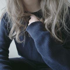 セミロング アッシュ 外国人風 グレージュ ヘアスタイルや髪型の写真・画像