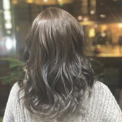 大人かわいい セミロング ナチュラル 黒髪 ヘアスタイルや髪型の写真・画像