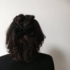 ねじり くるりんぱ ツイスト ヘアスタイルや髪型の写真・画像