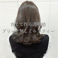 セミロング ミルクティーブラウン コンサバ ミルクティーベージュ ヘアスタイルや髪型の写真・画像