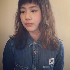 アッシュ 大人かわいい ゆるふわ 前髪あり ヘアスタイルや髪型の写真・画像