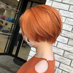 オレンジベージュ ミニボブ オレンジ ショートボブ ヘアスタイルや髪型の写真・画像