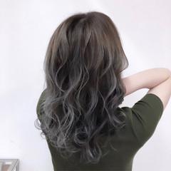 ハイトーン シルバー バレイヤージュ ギャル ヘアスタイルや髪型の写真・画像