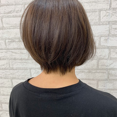 アディクシーカラー 耳掛けショート ショートヘア ナチュラル ヘアスタイルや髪型の写真・画像