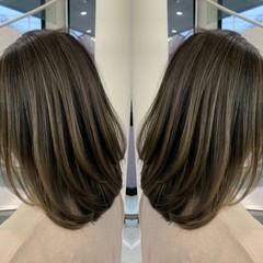 セミロング エレガント #インナーカラー グラデーションカラー ヘアスタイルや髪型の写真・画像