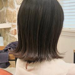 ミディアム 髪質改善 暗髪 ナチュラル ヘアスタイルや髪型の写真・画像