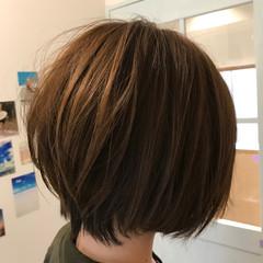 ショート ショートボブ ガーリー ハイライト ヘアスタイルや髪型の写真・画像