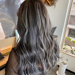 コントラストハイライト 3Dハイライト セミロング 大人ハイライト ヘアスタイルや髪型の写真・画像