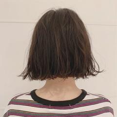 ショートバング 外ハネボブ くせ毛風 パーマ ヘアスタイルや髪型の写真・画像