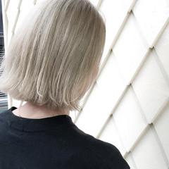 ベージュ ボブ 切りっぱなし ホワイト ヘアスタイルや髪型の写真・画像