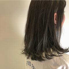 ナチュラル 外ハネ グレージュ スポーツ ヘアスタイルや髪型の写真・画像