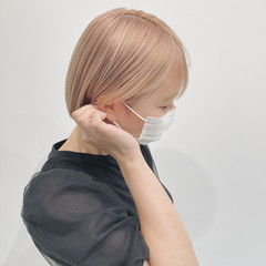 ブリーチカラー 切りっぱなしボブ ボブ ハイトーンカラー ヘアスタイルや髪型の写真・画像