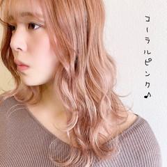 ピンク フェミニン ピンクベージュ セミロング ヘアスタイルや髪型の写真・画像
