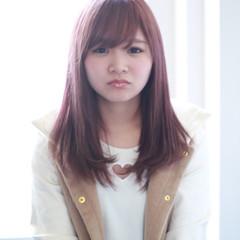 外国人風 ピンク フェミニン 前髪あり ヘアスタイルや髪型の写真・画像