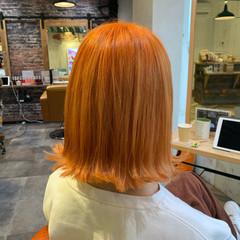 オレンジ ハイトーンカラー ボブ 切りっぱなしボブ ヘアスタイルや髪型の写真・画像