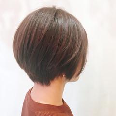 ショート アッシュベージュ 大人かわいい ナチュラル ヘアスタイルや髪型の写真・画像