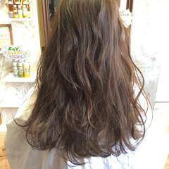 アッシュ グラデーションカラー アッシュベージュ ロング ヘアスタイルや髪型の写真・画像