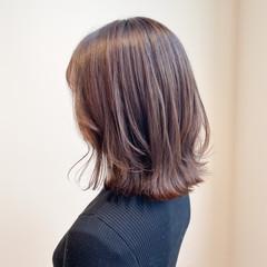 ピンクラベンダー ボブ ナチュラル 切りっぱなしボブ ヘアスタイルや髪型の写真・画像