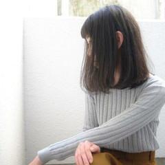 ロブ ナチュラル ミディアム 黒髪 ヘアスタイルや髪型の写真・画像