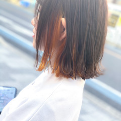 ストリート インナーカラー 切りっぱなしボブ 外ハネボブ ヘアスタイルや髪型の写真・画像