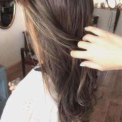 外国人風カラー アッシュ ロング ハイライト ヘアスタイルや髪型の写真・画像
