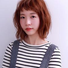 オン眉 オレンジ ナチュラル ショートバング ヘアスタイルや髪型の写真・画像
