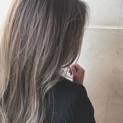 ヌーディベージュ ロング ベージュ ストリート ヘアスタイルや髪型の写真・画像