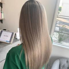 バレイヤージュ ナチュラル ブリーチカラー ロング ヘアスタイルや髪型の写真・画像