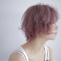 外国人風カラー ショート ピンクアッシュ おフェロ ヘアスタイルや髪型の写真・画像