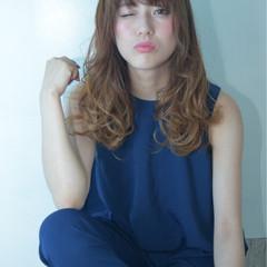外国人風 グラデーションカラー ゆるふわ ハイライト ヘアスタイルや髪型の写真・画像