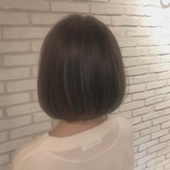 ミニボブ 切りっぱなしボブ ショートボブ ナチュラル ヘアスタイルや髪型の写真・画像