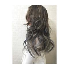 アッシュ ハイライト グラデーションカラー ロング ヘアスタイルや髪型の写真・画像