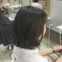 アンニュイ ゆるふわ ウェーブ ナチュラル ヘアスタイルや髪型の写真・画像
