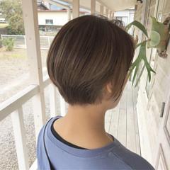 ショートヘア グレージュ ショート ハイライト ヘアスタイルや髪型の写真・画像