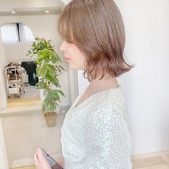 ミルクティー ブリーチなし ミニボブ ミルクティーベージュ ヘアスタイルや髪型の写真・画像