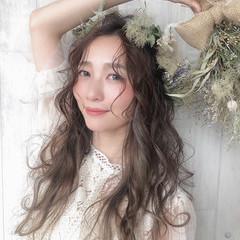 ロング ブライダル ガーリー ヘアスタイルや髪型の写真・画像