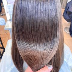 セミロング イルミナカラー ナチュラル 艶髪 ヘアスタイルや髪型の写真・画像