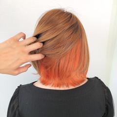 インナーカラー ミディアム ショートボブ 切りっぱなしボブ ヘアスタイルや髪型の写真・画像