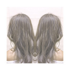 アッシュ ナチュラル ハイライト 外国人風 ヘアスタイルや髪型の写真・画像