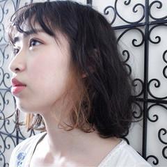 前髪あり インナーカラー パーマ 外国人風 ヘアスタイルや髪型の写真・画像