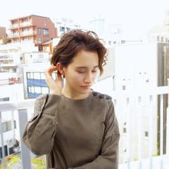 パーマ デート アンニュイほつれヘア アウトドア ヘアスタイルや髪型の写真・画像