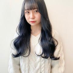 ブリーチなし ブルーブラック ブルージュ ナチュラル ヘアスタイルや髪型の写真・画像