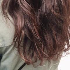 ウェーブ ロング リラックス アンニュイ ヘアスタイルや髪型の写真・画像