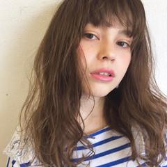 ゆるふわ セミロング 外国人風 パーマ ヘアスタイルや髪型の写真・画像