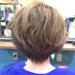 ナチュラル ショート ヘアアレンジ くせ毛風 ヘアスタイルや髪型の写真・画像