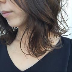 暗髪 外ハネ 大人かわいい ナチュラル ヘアスタイルや髪型の写真・画像